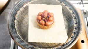 カマンベールチーズ燻製中