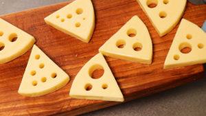 穴あきチーズ燻製