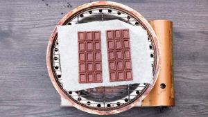 板チョコレート燻製